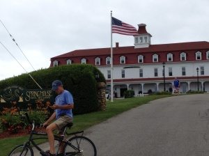 This is a beautiful hotel that sits atop a bluff. Frank must have gotten bored waiting for me to take a picture and started checking his email. Oh wait - - - he doesn't GET email any more!! (Well, not much.)