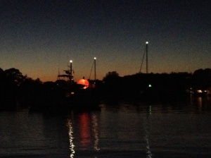 Gotta love this trawler who put up a GIANT inflatable pumkin on deck! What an easy way to find your boat at night!