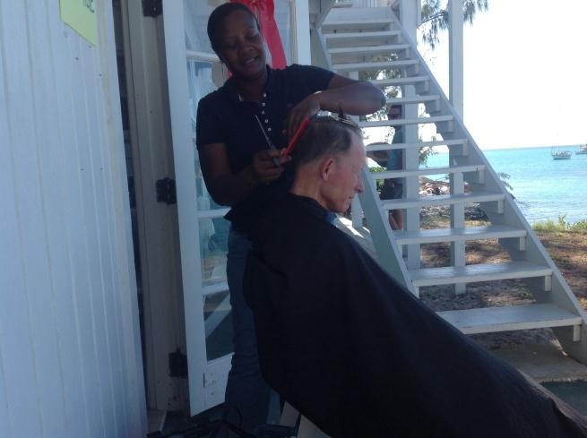 Frank getting a trim from Ida