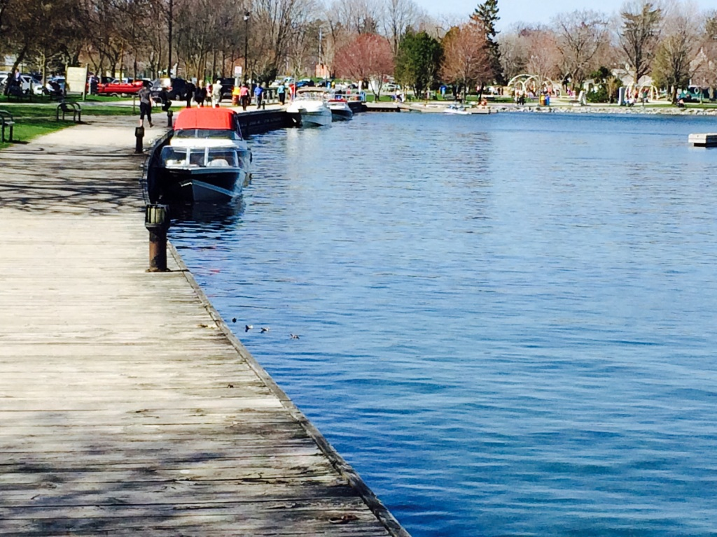 A week before we left we got a glipse of what Orillia looks like in the spring! The ice melted around April 20th.